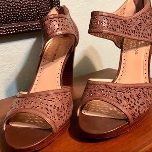 Adrienne vittadini leather sandal heel